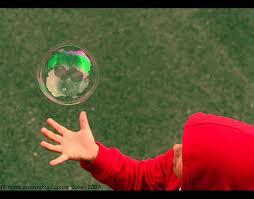 dítě s bublinou
